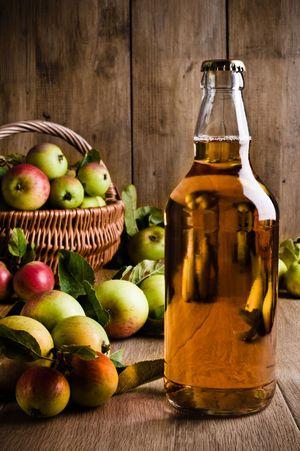 Как сделать самогон из яблок Секреты и советы 52