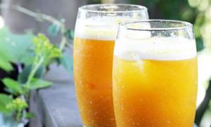 Домашний яблочный сидр следует пить охлажденным