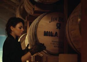 Мила Кунис - является лицом бренда Jim Beam и его поклонницей