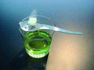 Как пить абсент